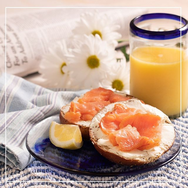Breakfast Ritual Break:  Smoked Salmon on Toasted Bagel and Cream Cheese On the weekends, I eat whatever my little heart desires for breakfast.  Here's the quick one when I'm in a hurry.  #healthybreakfast #healthybreakfastideas #salmon #smokedslamonandbagel #healthysandwichideas #openfacedsandwich #openfacedsandwichideas #toastedbagelandcreamcheese #foodie #foodies #foodporn #foodpornography #foodphotography #food52 #food52grams #foodphotographer #thefeedfeed #buzzfeedfood #dailyfoodpics