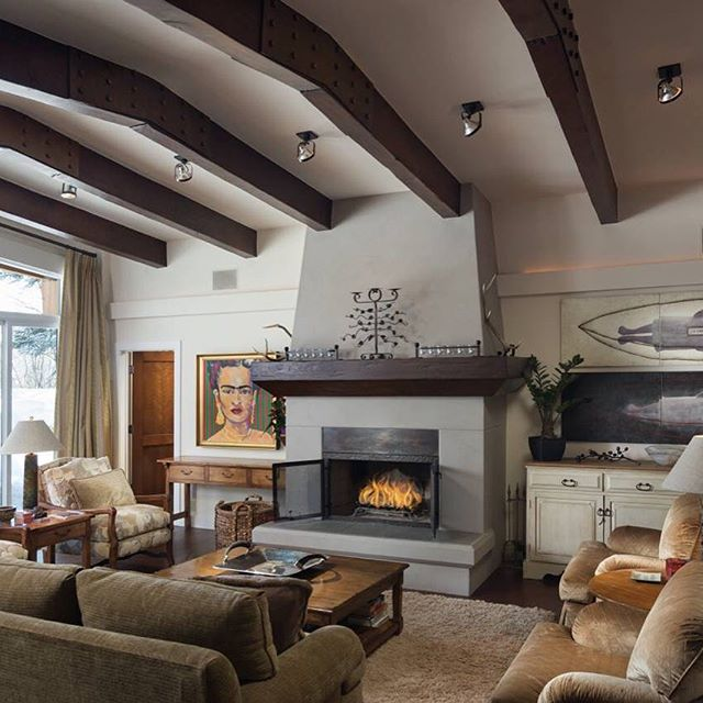 This warm springs residence got more than a fresh coat of paint. We loved the personality and artwork in this interior! See more photos on our website (link in the bio) #warmsprings #sunvalley #designstudiosv #interiors