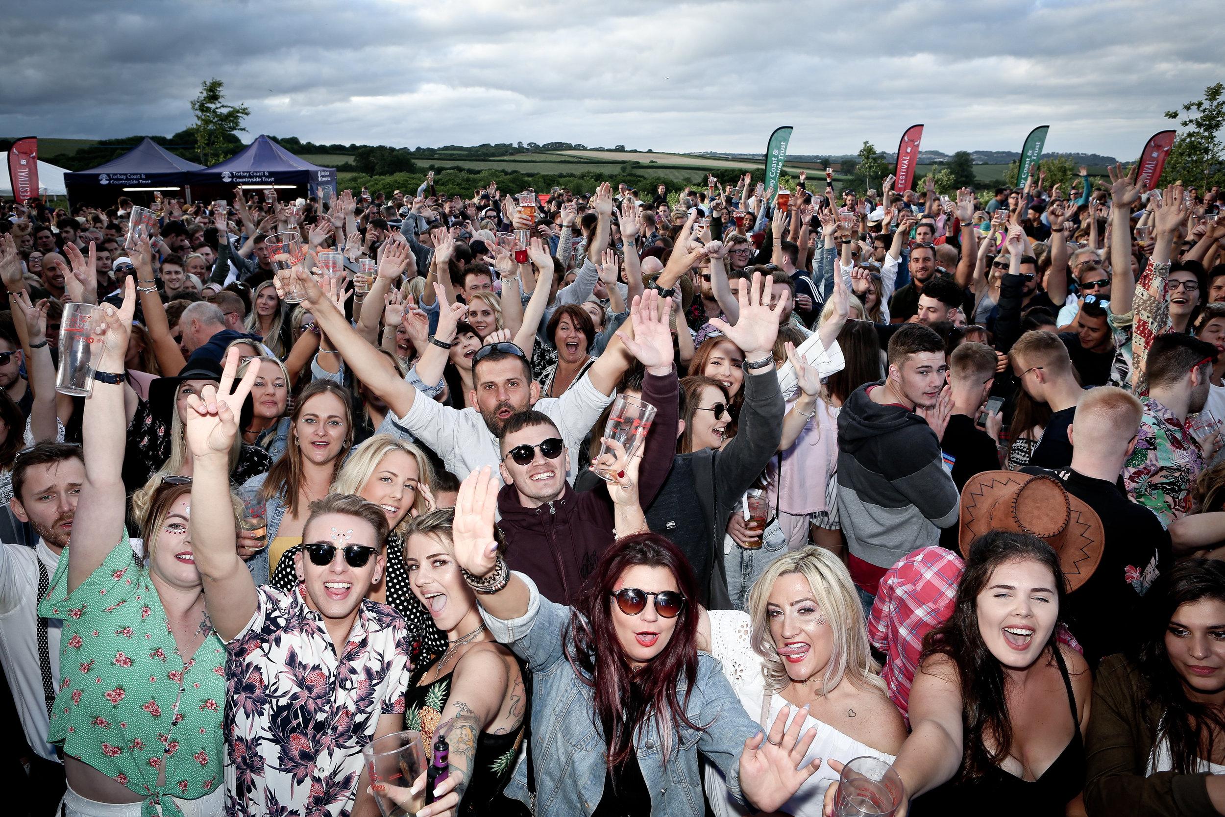 SATURDAY    ROCK, POP & DANCE ANTHEMS     READ MORE