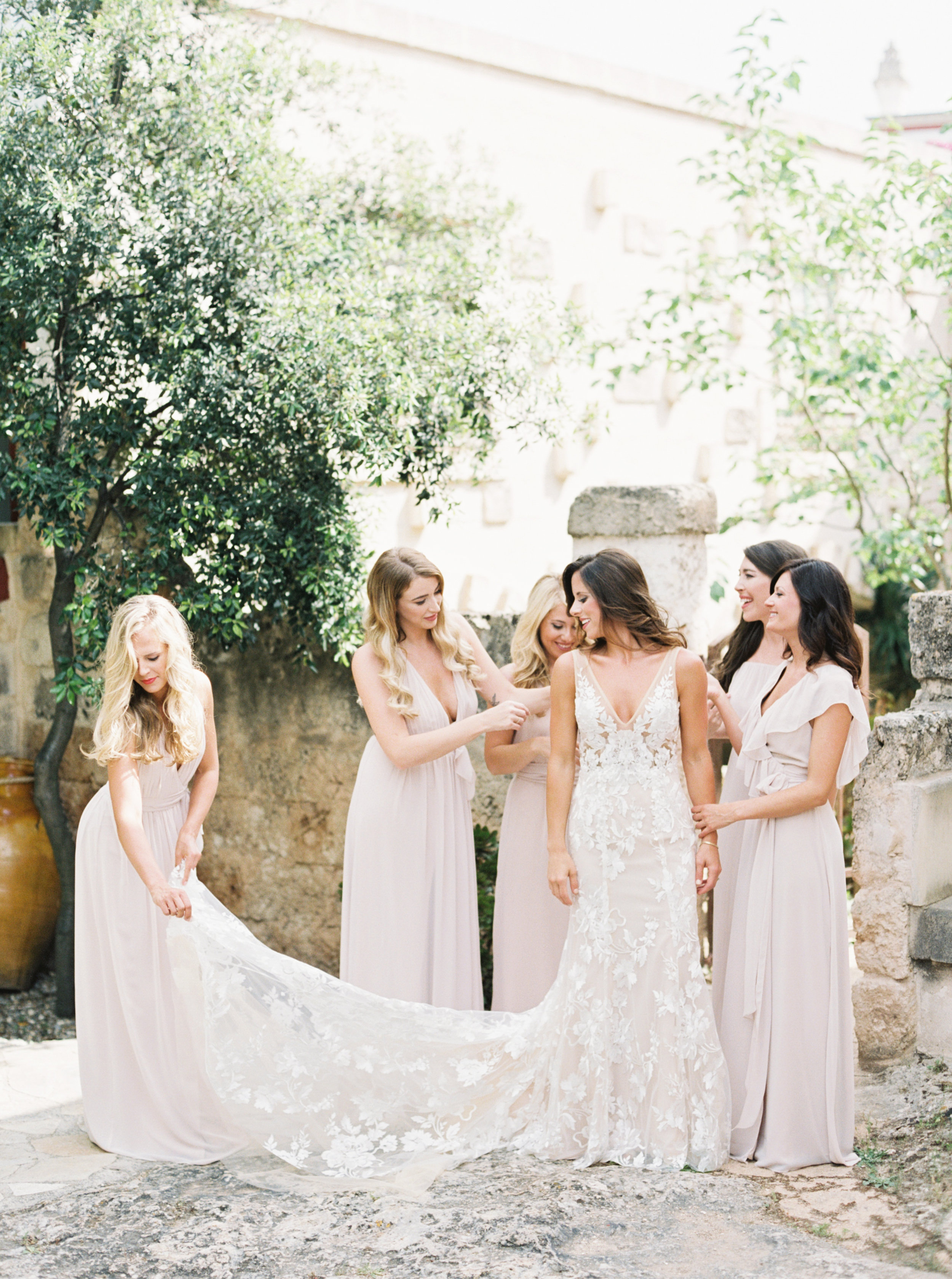 Southern Italy wedding planned by Meggie Francisco. Photography by Tracy Enoch, video by Innar Hunt.