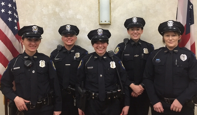 Female officers in early 2015