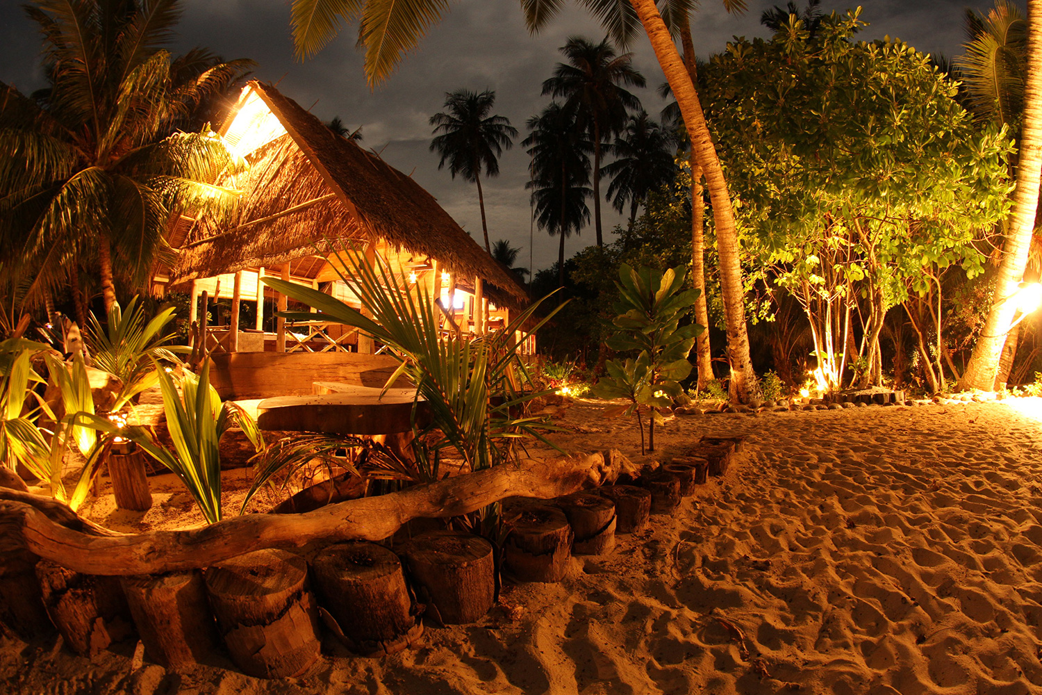 botik resort mentawais main building 4.jpg