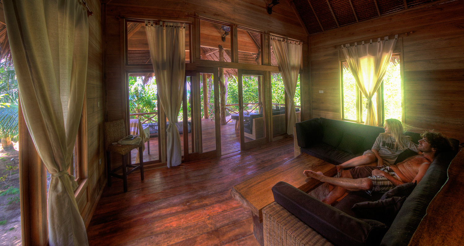 botik resort mentawais bungalows 1.jpg