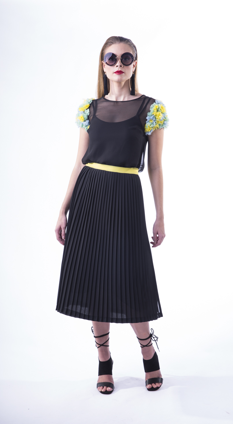 BLACK PLEAT SKIRT YELLOW 1.png
