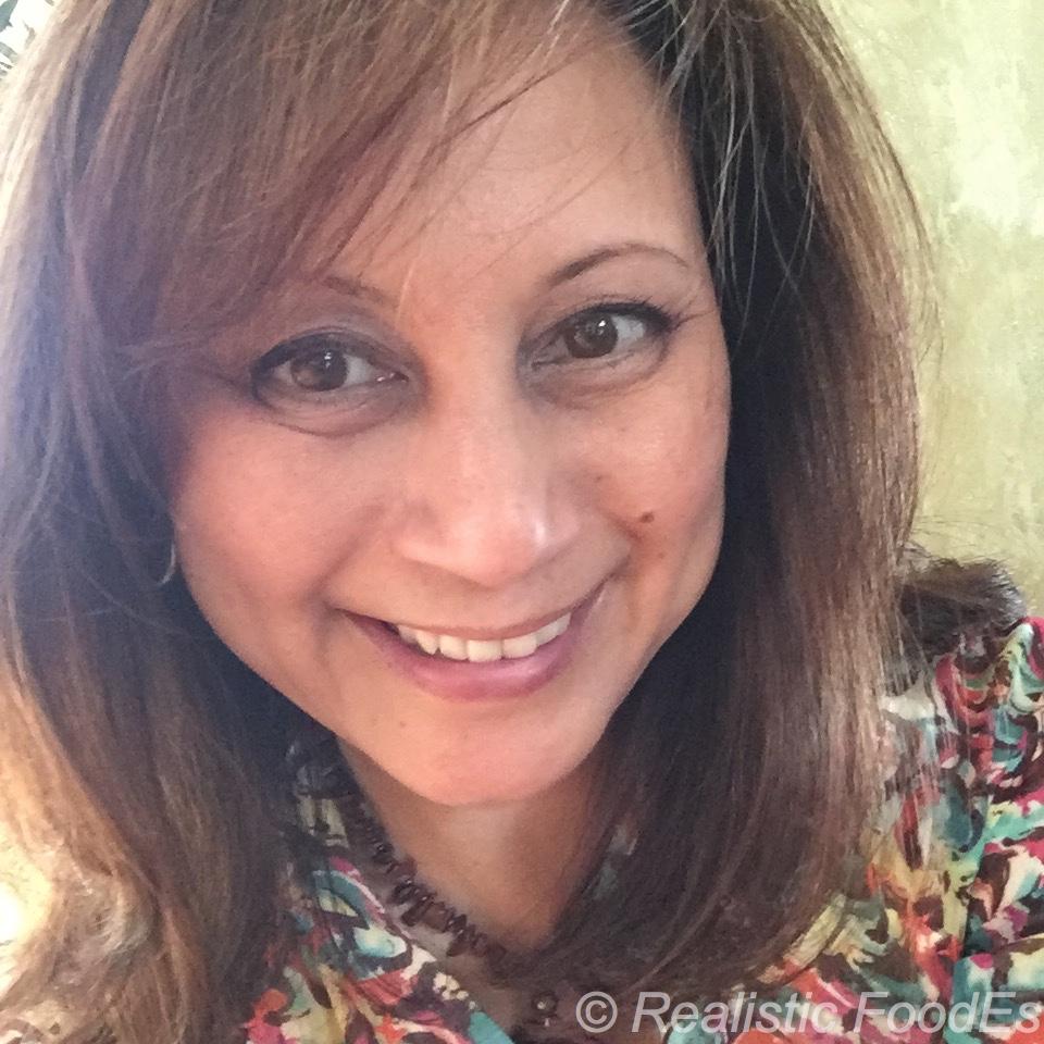 Hi! I'm Rowena Mahloch