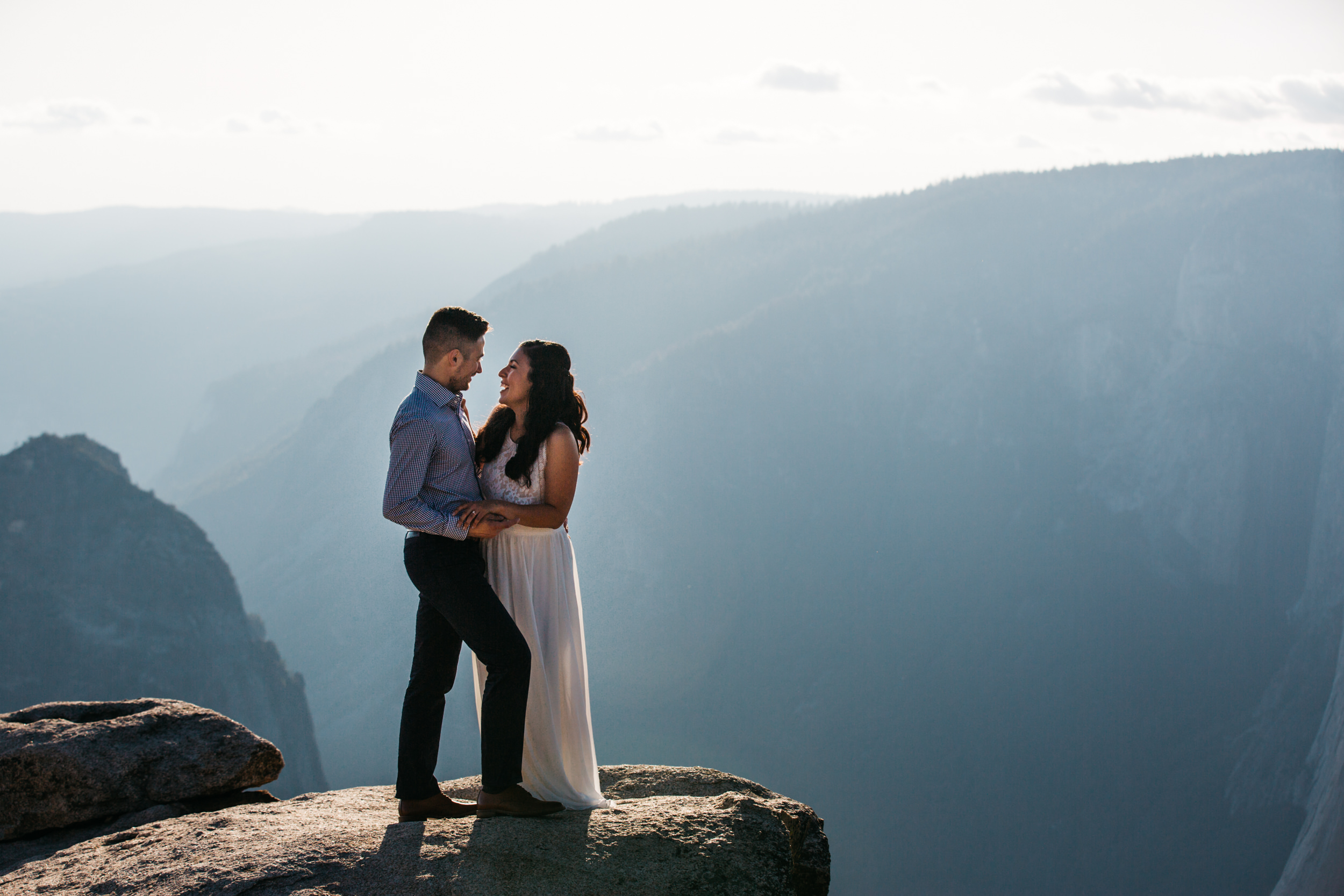 taft_point_yosemite_engagement_session-3.jpg