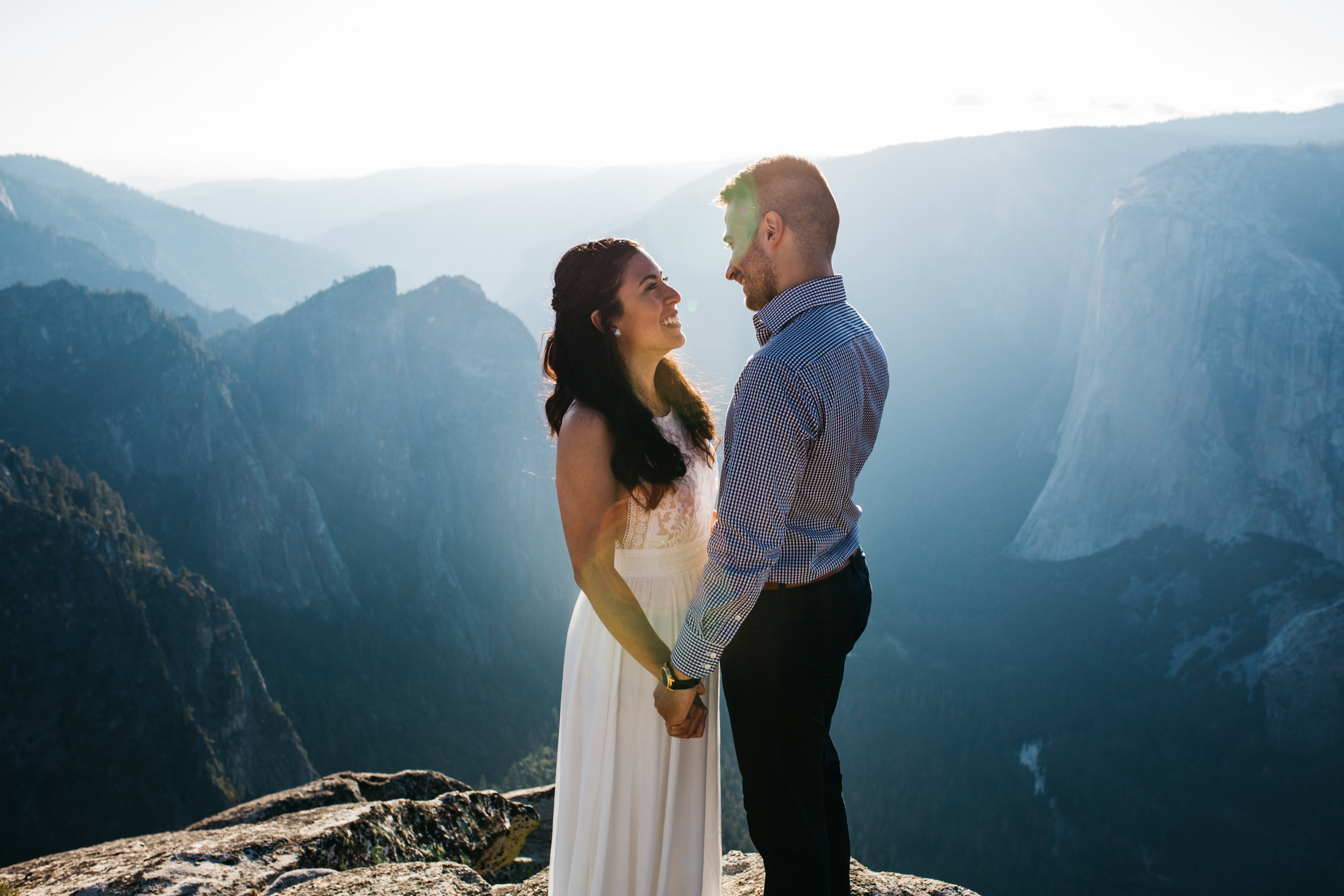 taft_point_yosemite_engagement_session-5.jpg