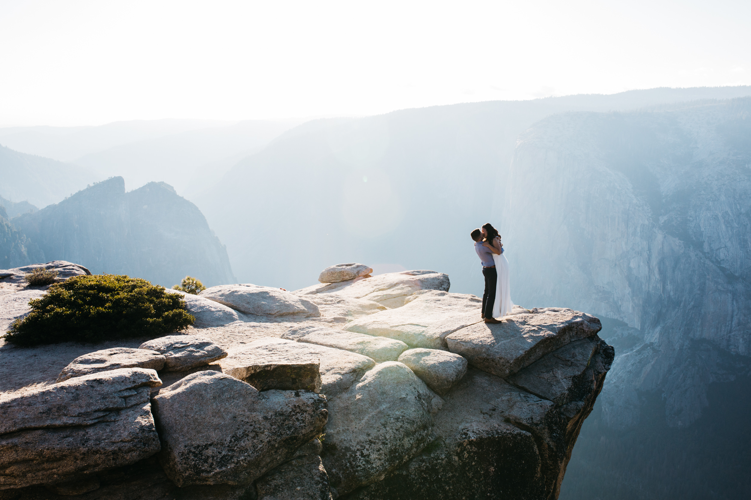 taft_point_yosemite_engagement_session-7.jpg