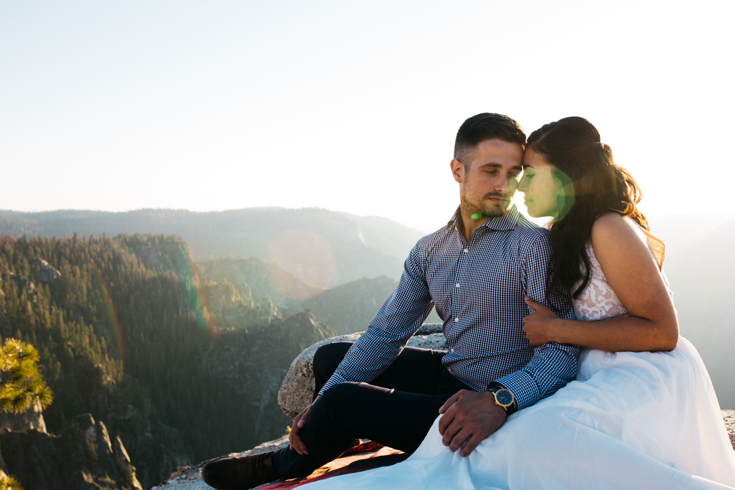 taft_point_yosemite_engagement_session-11.jpg