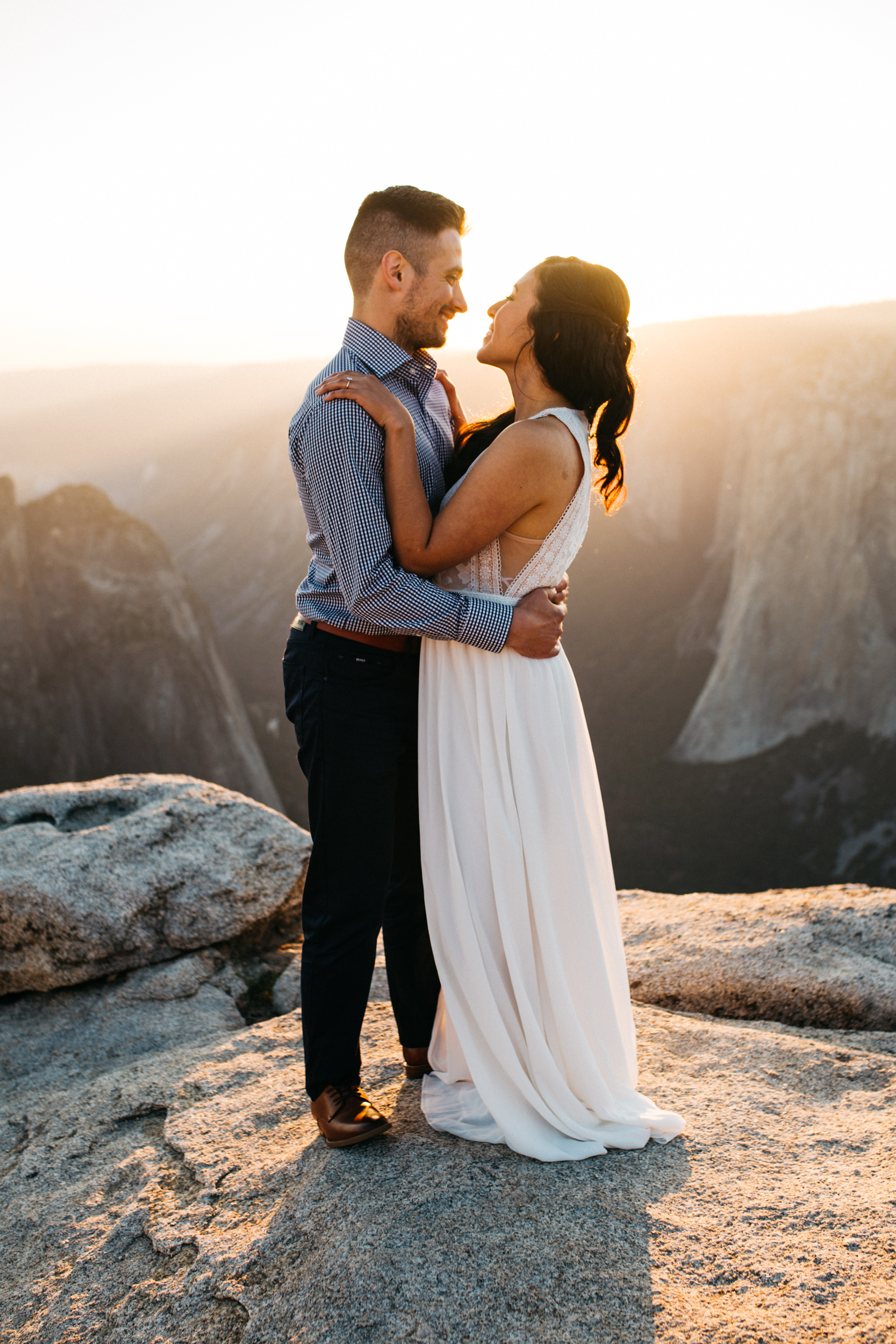 taft_point_yosemite_engagement_session-13.jpg