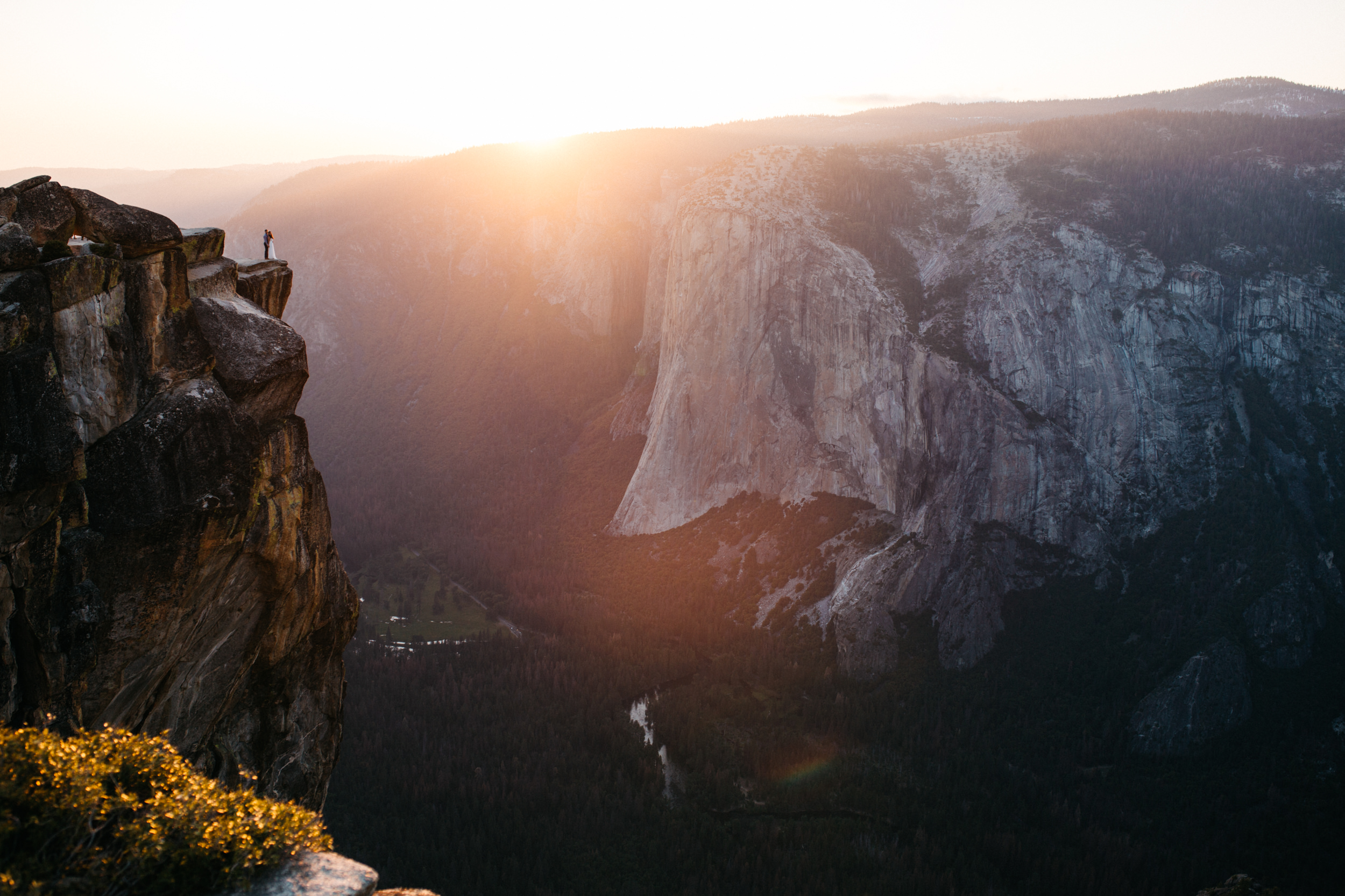taft_point_yosemite_engagement_session-14.jpg