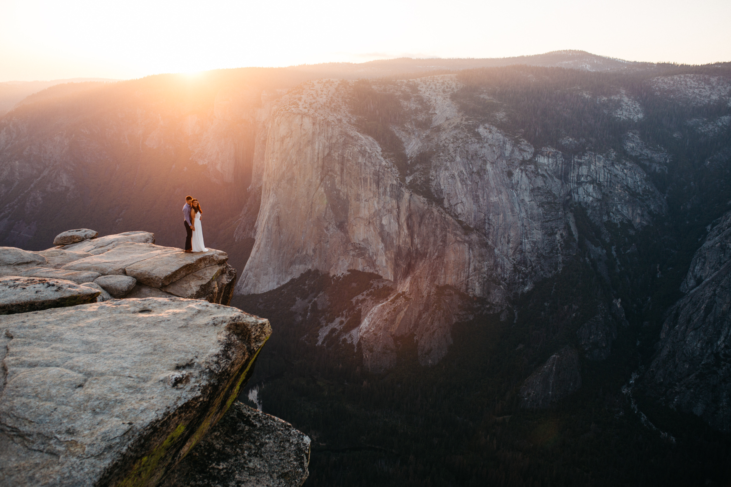 taft_point_yosemite_engagement_session-15.jpg
