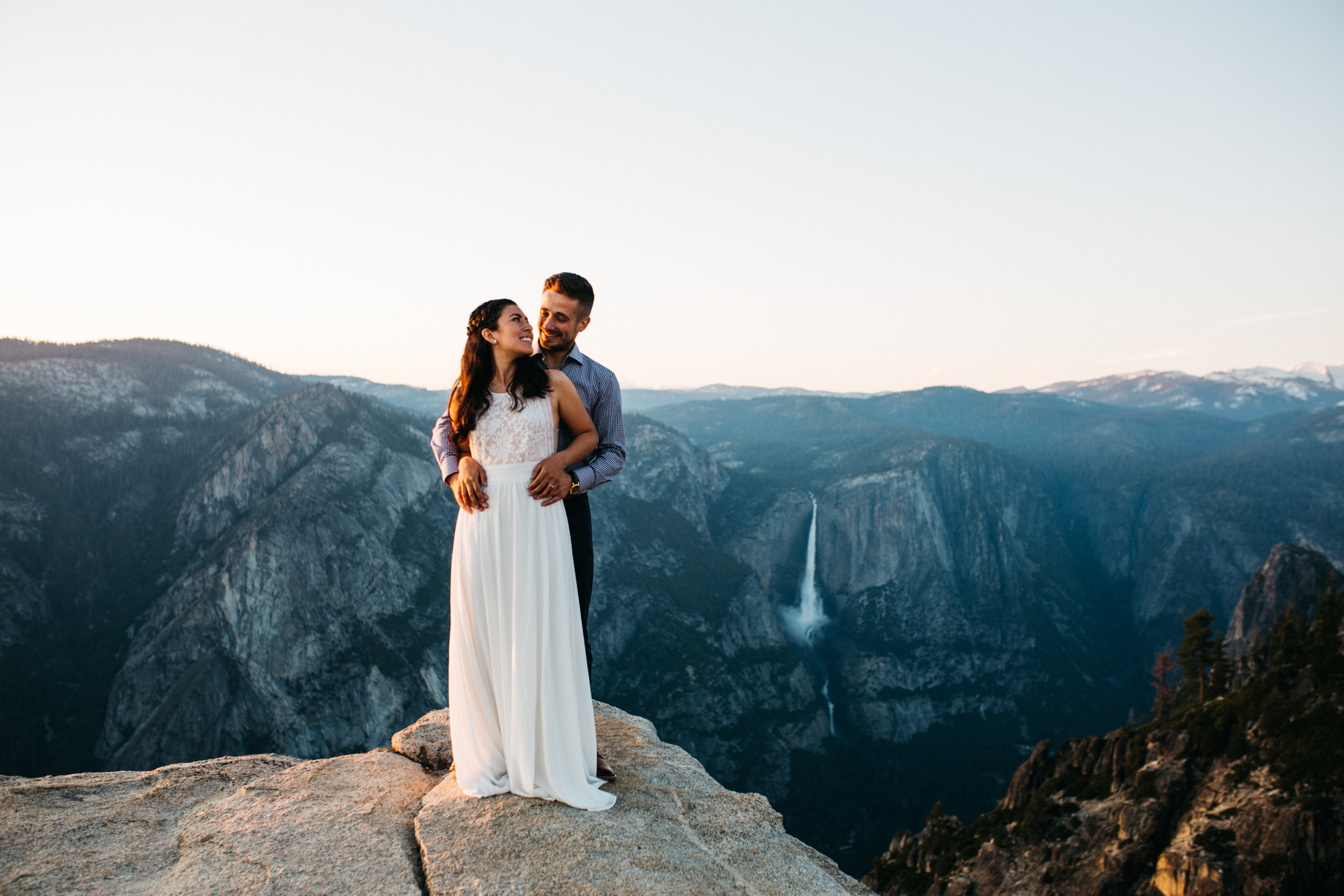 taft_point_yosemite_engagement_session-16.jpg