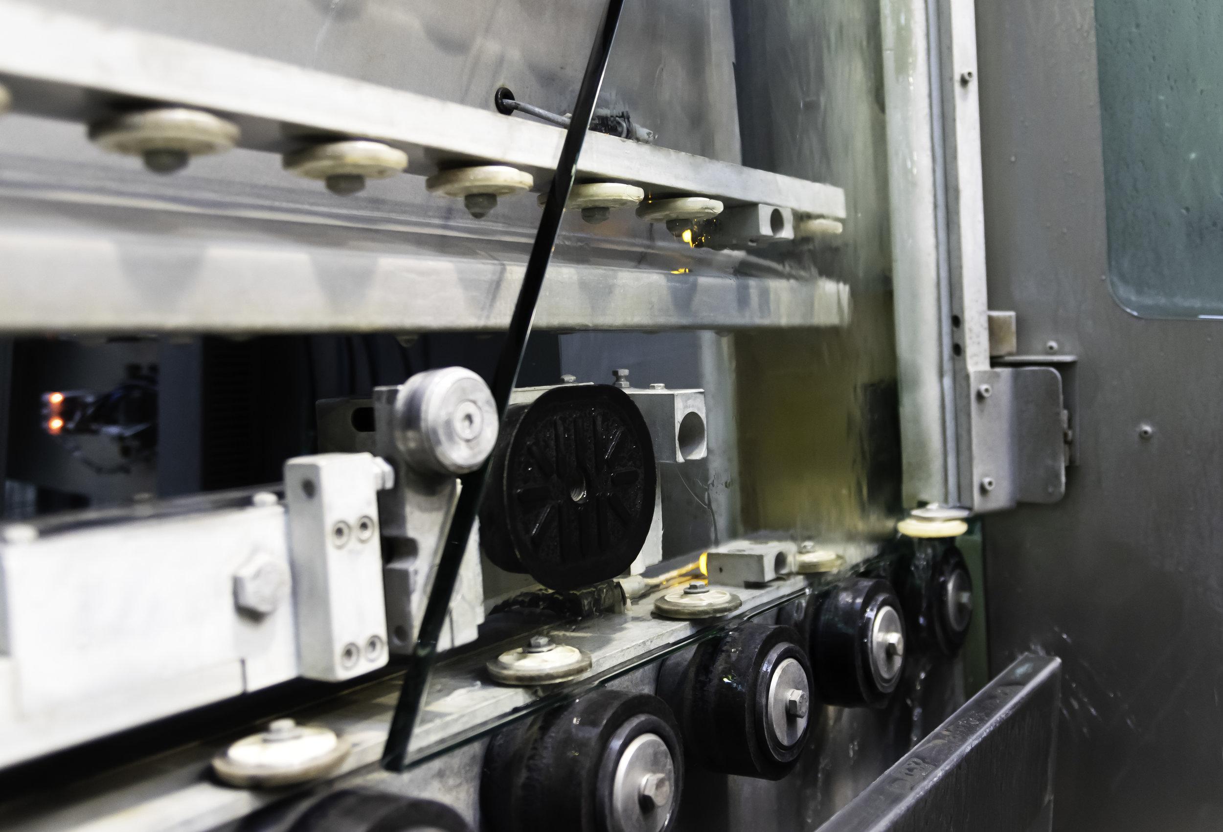 Polishing with Forel edging machine Art. EM