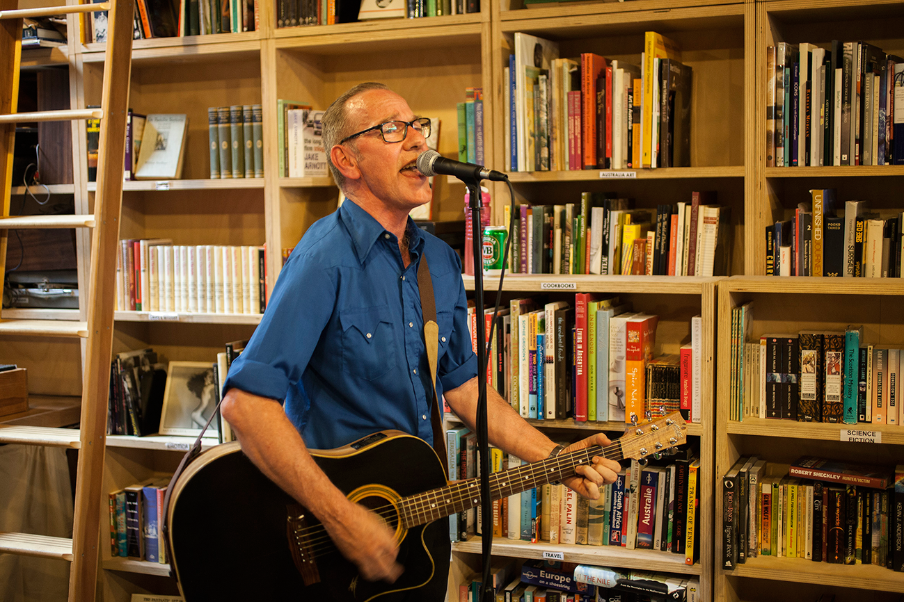 Jon plays instore at The Searchers record store, Melbourne