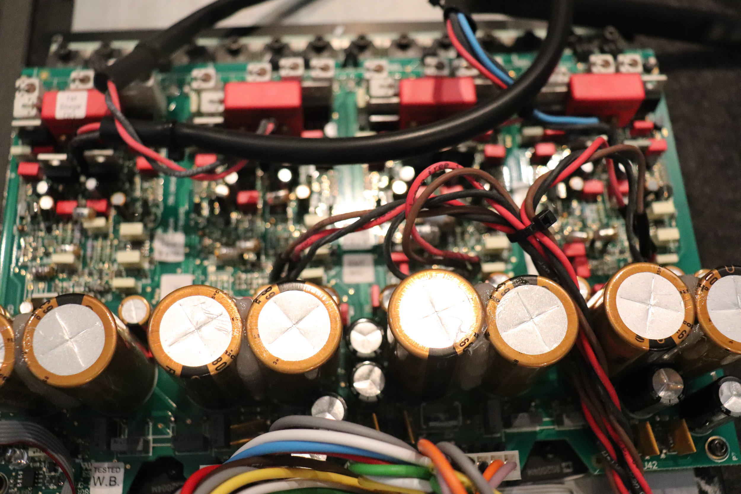 DSP7200.2HC: The Single Combined Power Supply and Main Amplifier Board