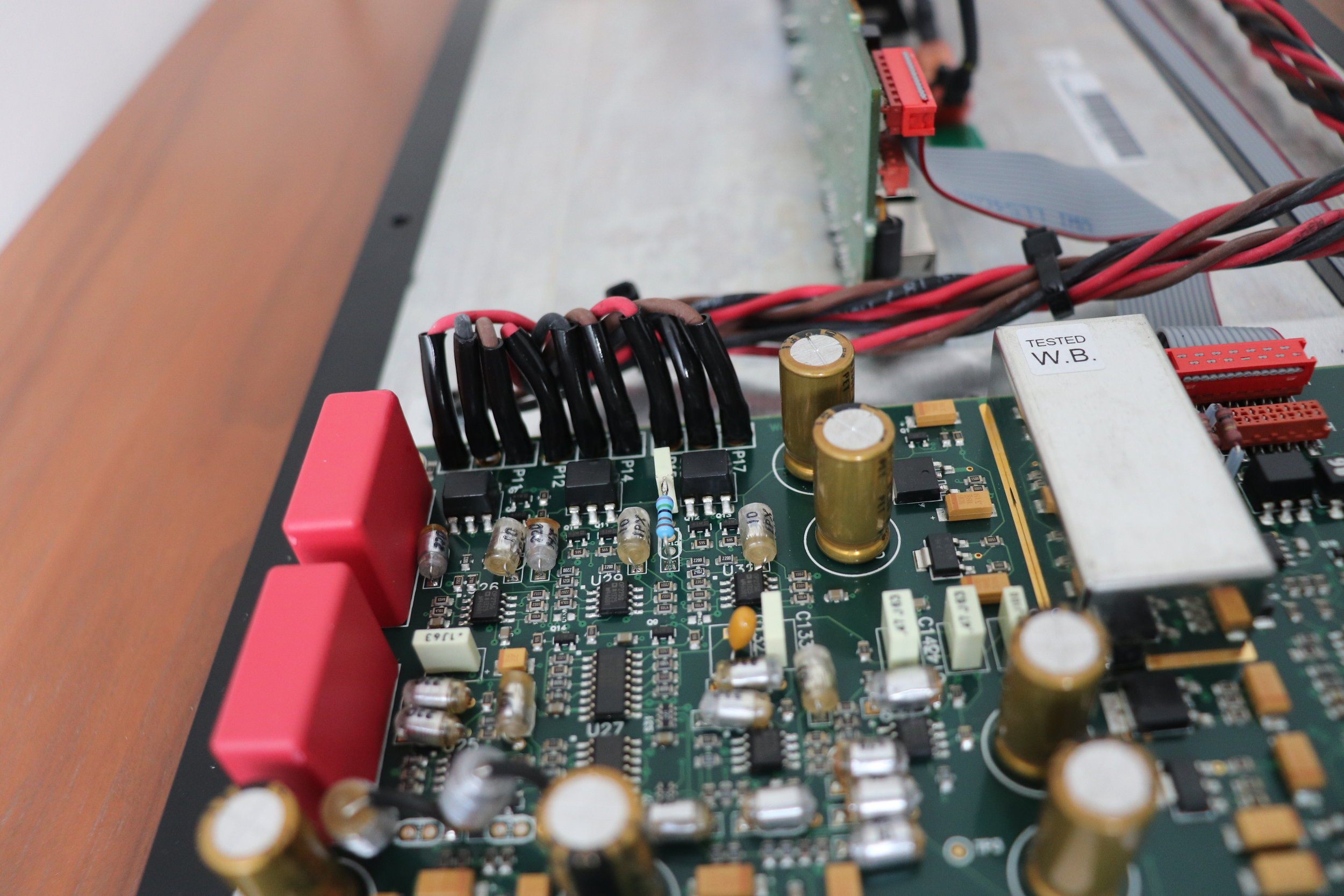 DSP7200.2HC 'Comms' board differential outputs