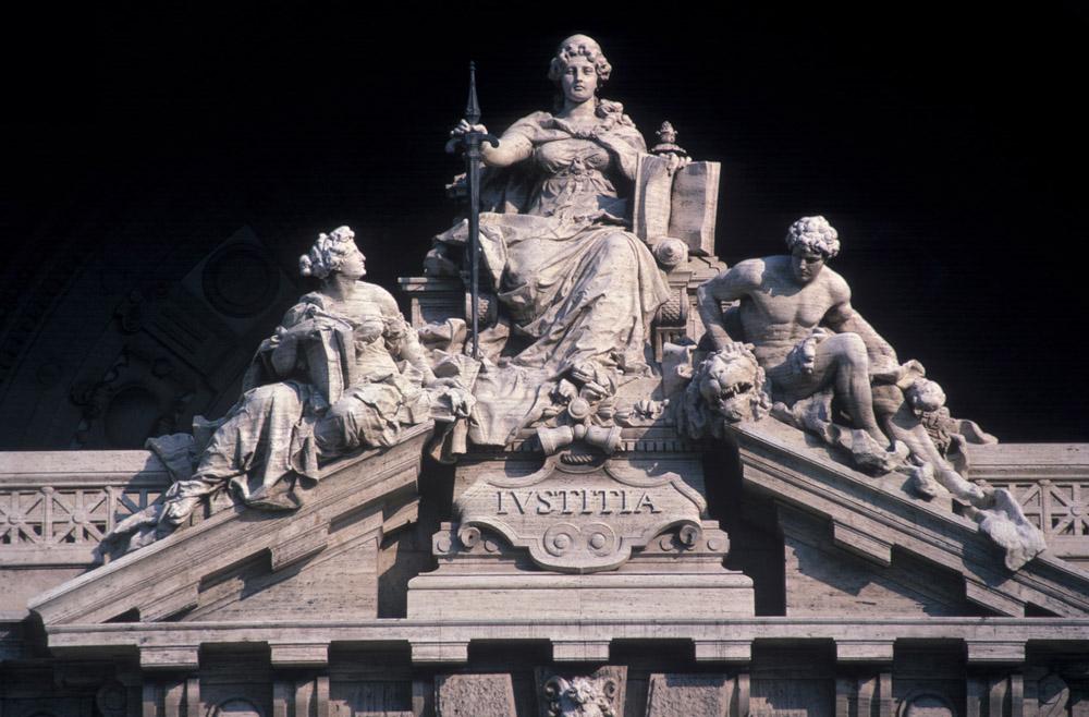1-Legal-English-Language-Courses-BAU-International-Academy-of-Rome.jpg