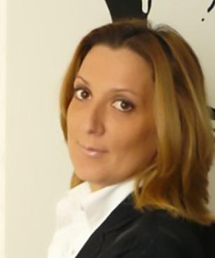 Paola Vee     View Bio >>>