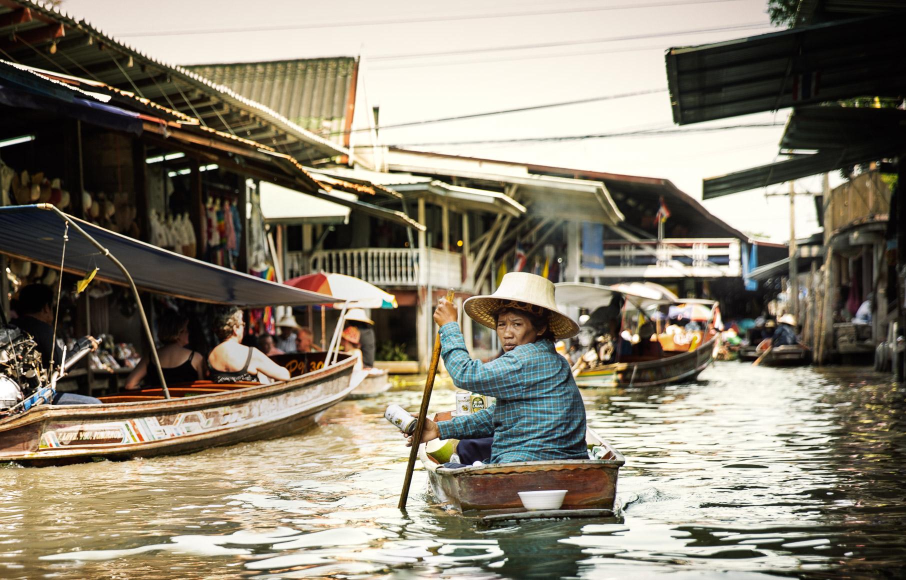 Thai_Beer_Boat.jpg