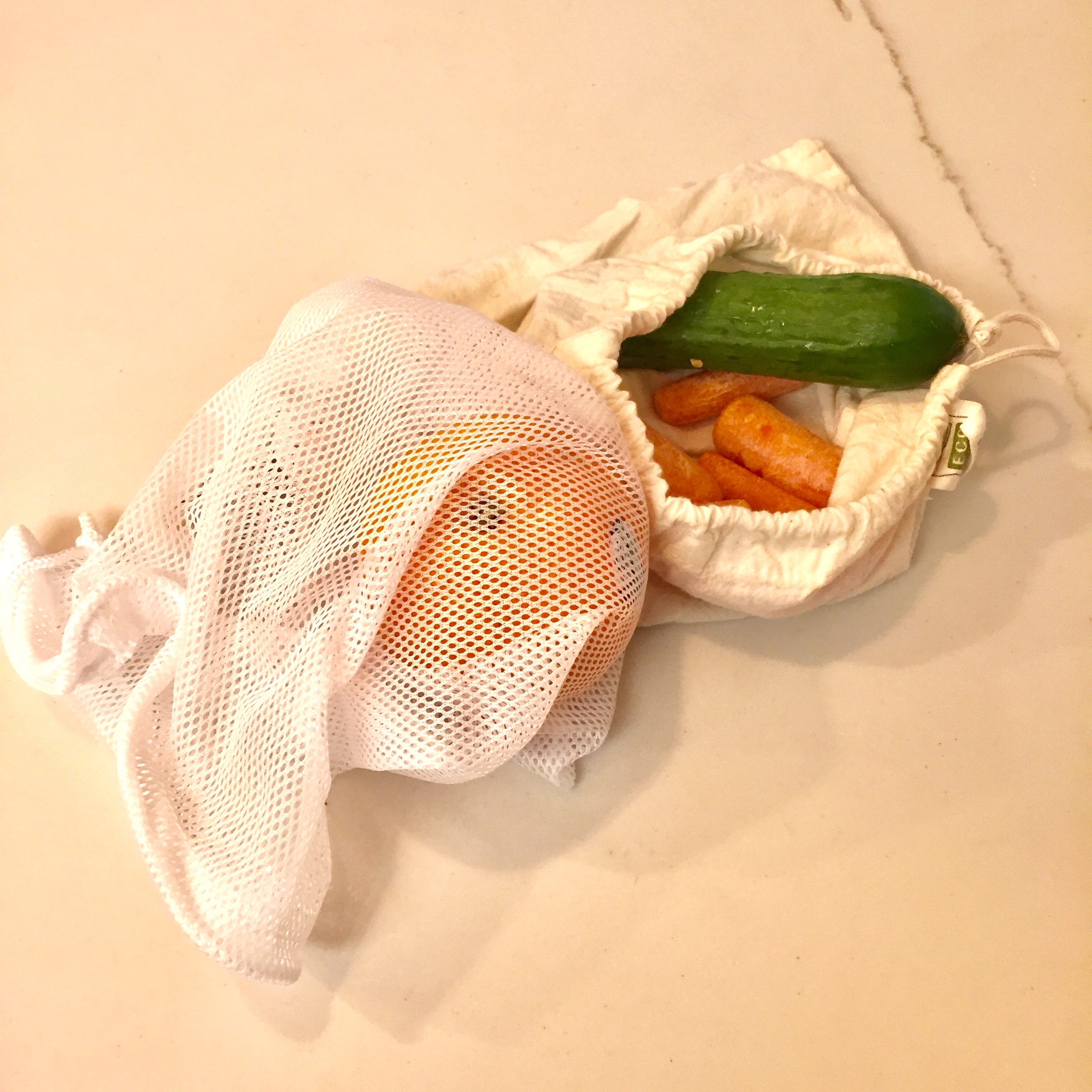 Fruit and Vegetable Bags - Keep those daily fruit and vegetable rations in mesh or canvasbags for ideal carrying. These can also be used at the supermarket when you buy produce and want to avoid plastic bags. WIN!