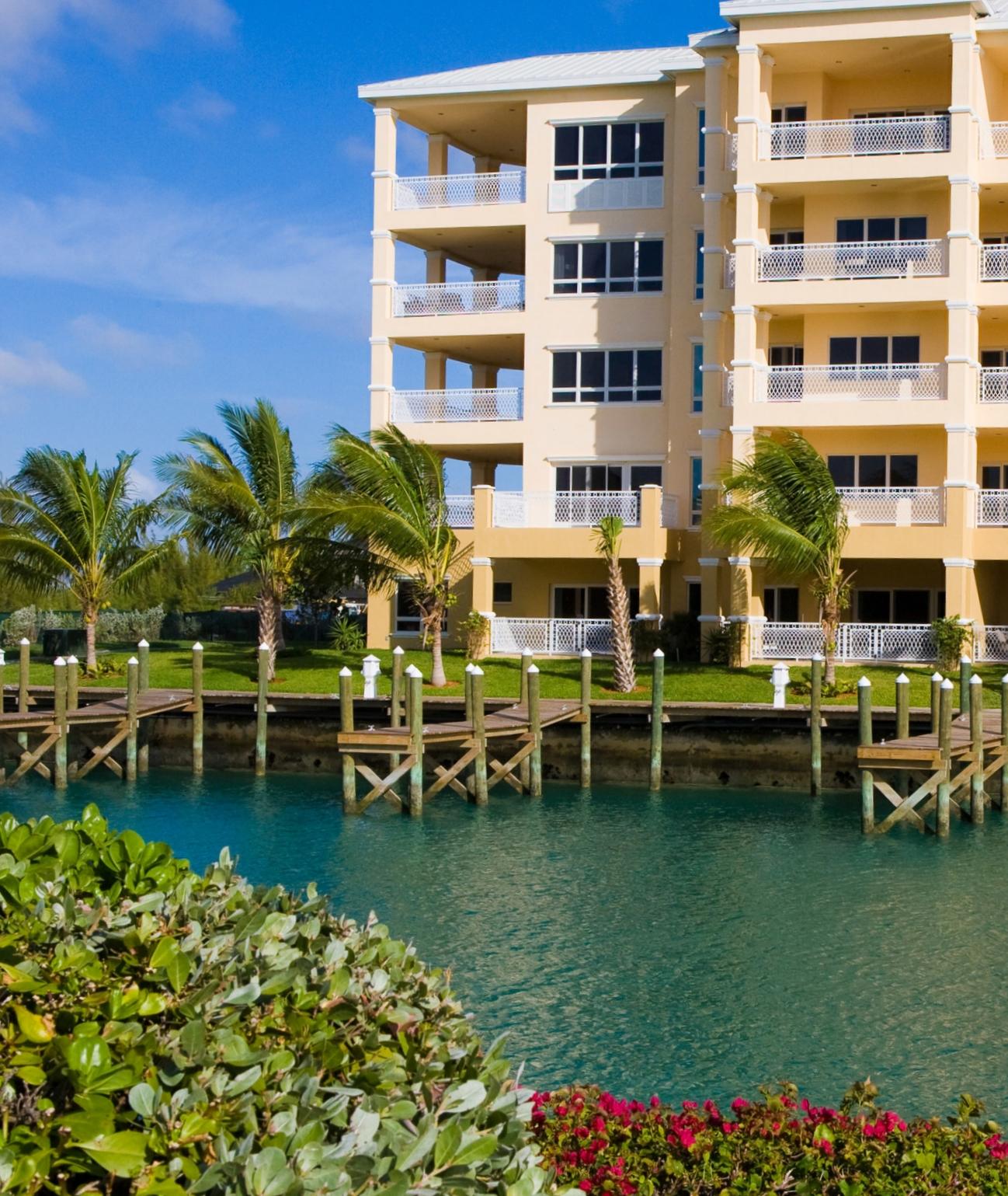 Suffolk Court Bahamas exterior day.jpg