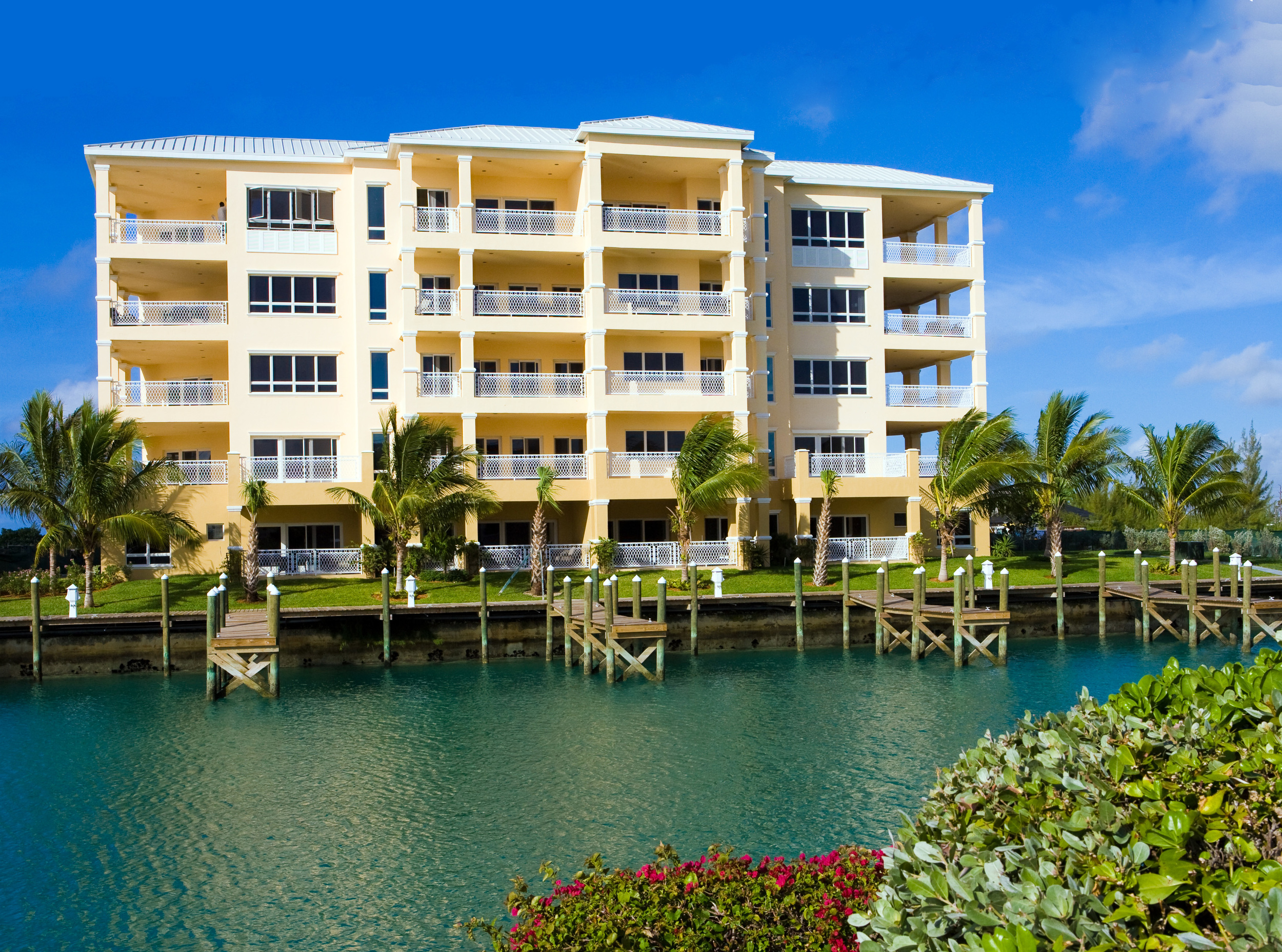 Suffolk-Court-Bahamas-waterfront-BEST.jpg