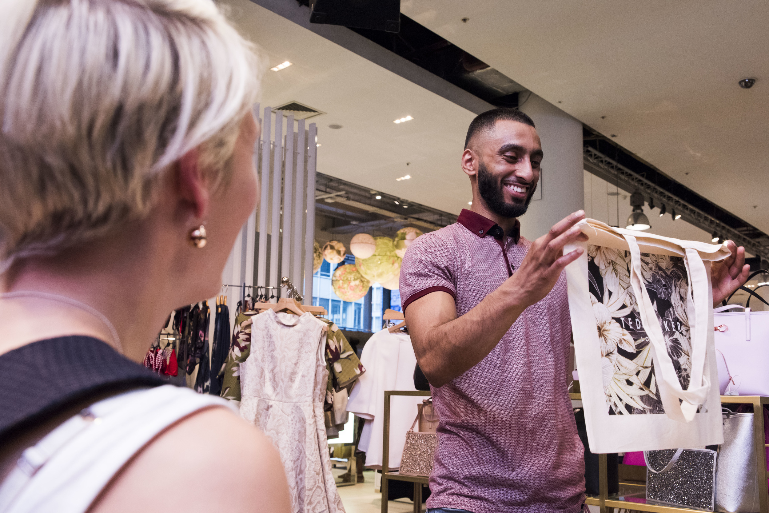 Willa Gebbie live portrait illustration onto tote bags at Ted Baker, Selfridges, London with LiL collective