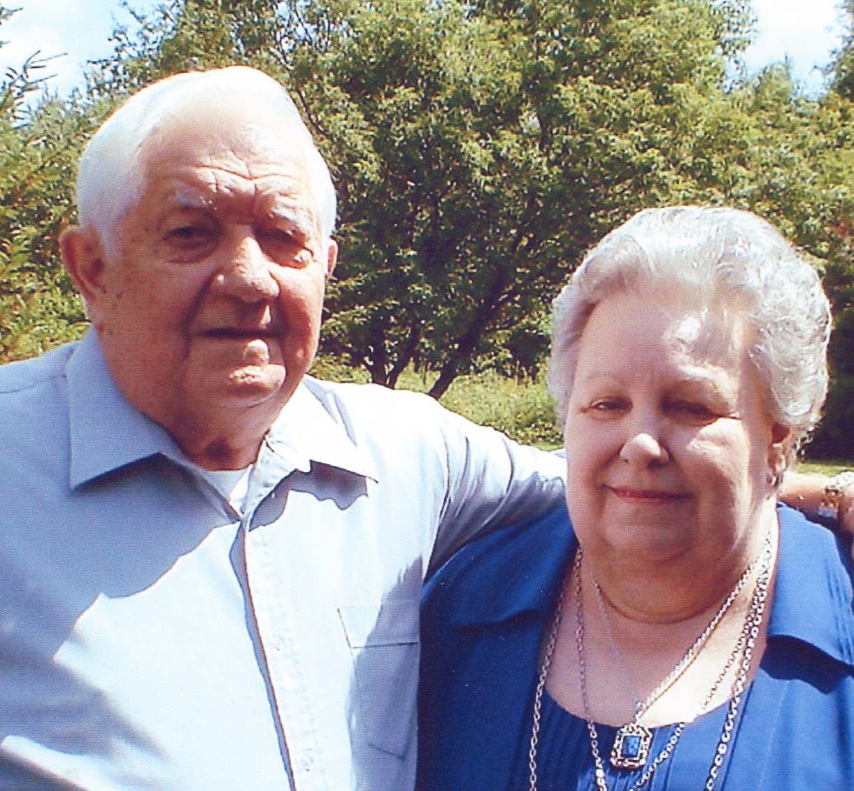 Bob and Lorrraine Daggett color.jpg