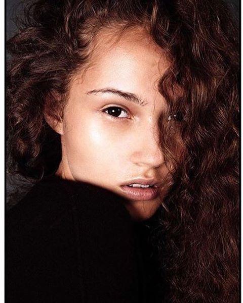 Michelle Gutknecht shot by  Valentina Vallone