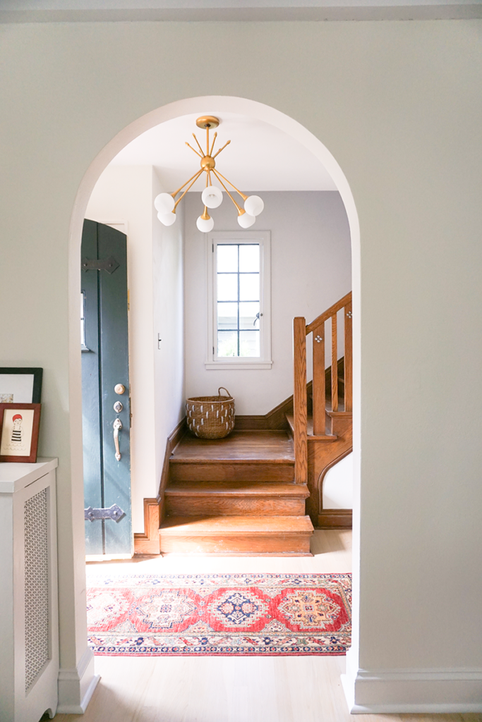 Kate Arends's entryway is super dreamy. Image via  Wit & Delight .