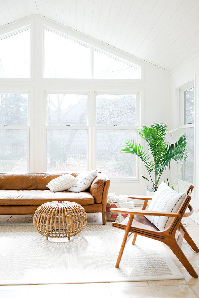 Shayna Dodge's  beautiful, minimal living room via  The Glitter Guide