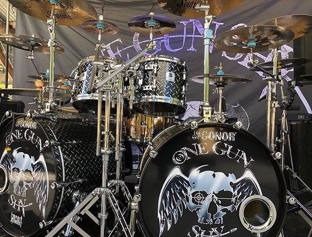 My Designers Never Sounded So Good!🥁🤘🎶🎼😎 @chris.womble . . . . . . . . . . #hardrockmusic #heavymetalmusic #hardrock #rock #rocknroll #rockandroll #rockstars #alternativemetal #altrockseattle #rocklife #blessed #sonordrumco #aquariandrumheads #aheaddrumsticks #cympad #humesandberg #porteranddavies #kickportinternational #soultonecymbals #audixmics #anvil #wombat #global #music #trickdrumsusa #dirtbagclothing #gorillaears #medicineman #duallistpedals