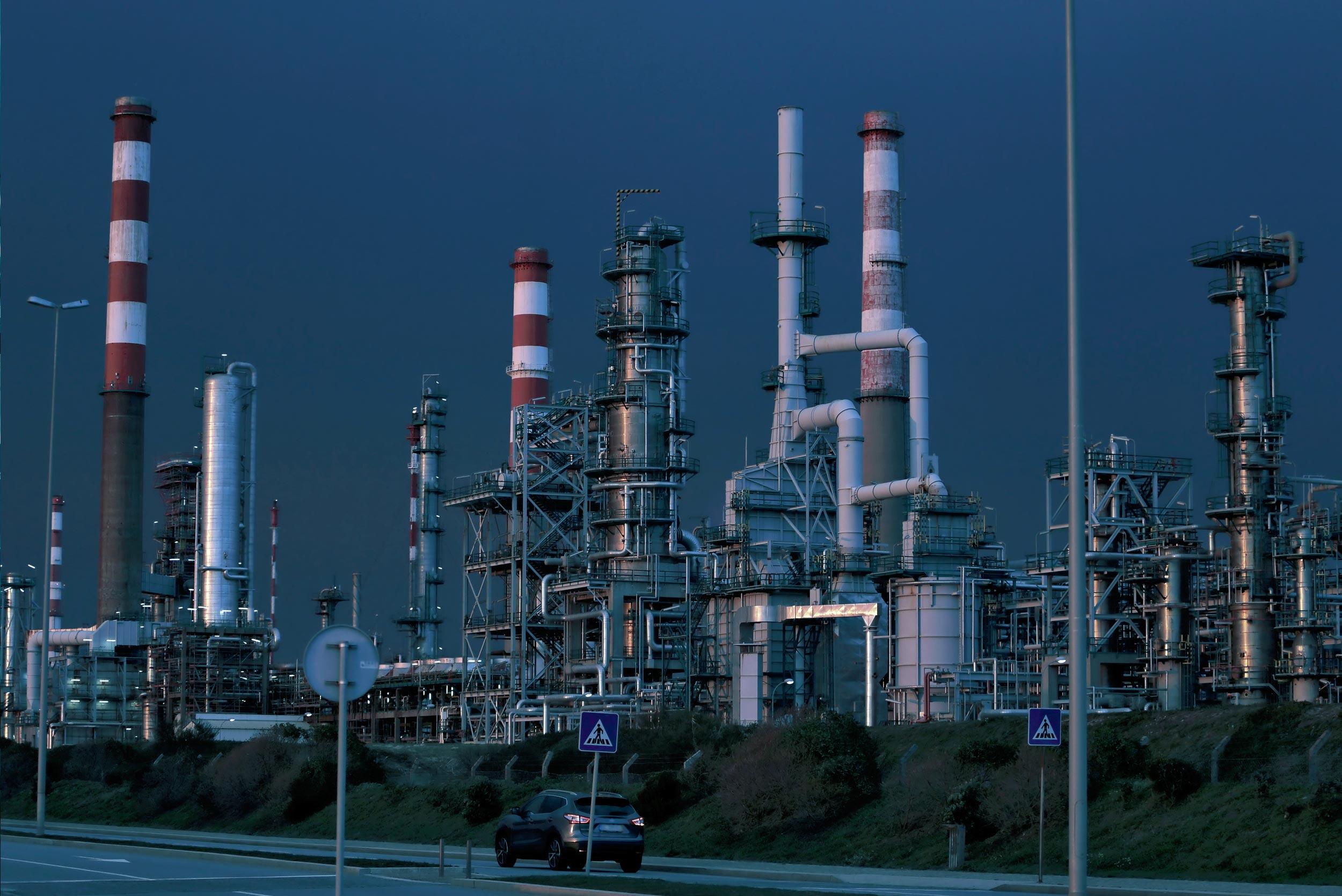 services-refinery.jpg