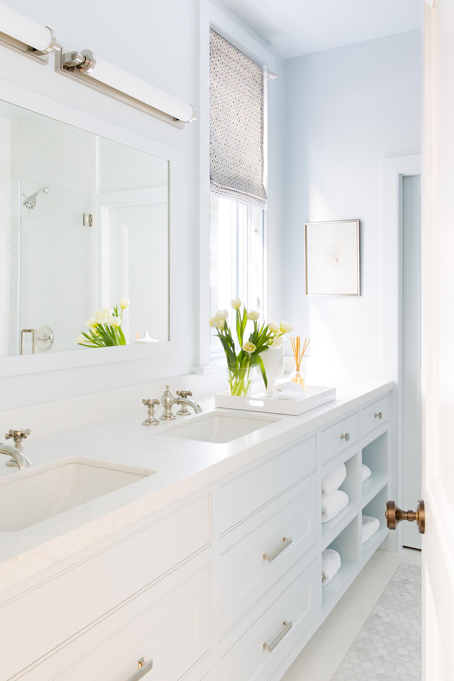 24-Guest Bath.jpg