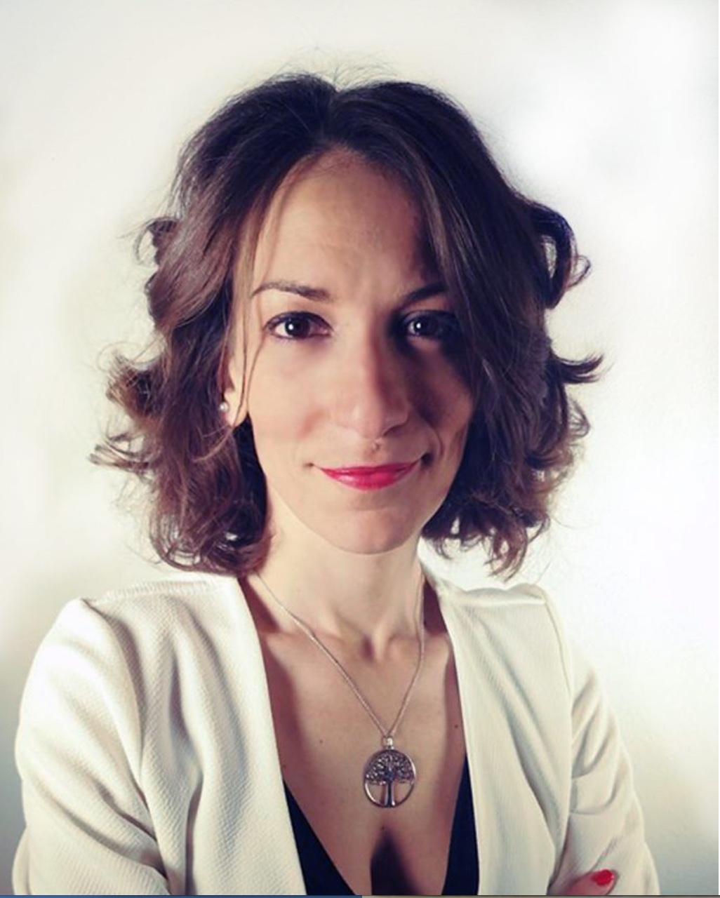 Conduce Serena Magazzeni -