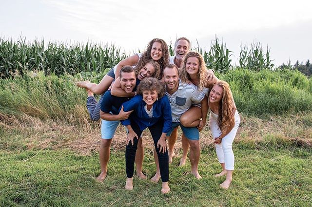 So fun photographing Fletcher & Co. over the summer (yes I'm very bad at posting in real time 😬)! Fun fact: I photographed one of their weddings, one year old portraits, and have gone on multiple missions trips with members of this fam! Also learned #greatbrookfarmstatepark is an awesome location for photo opps! Anyone in need of some updates fam photos? Hit ya girl up 📸