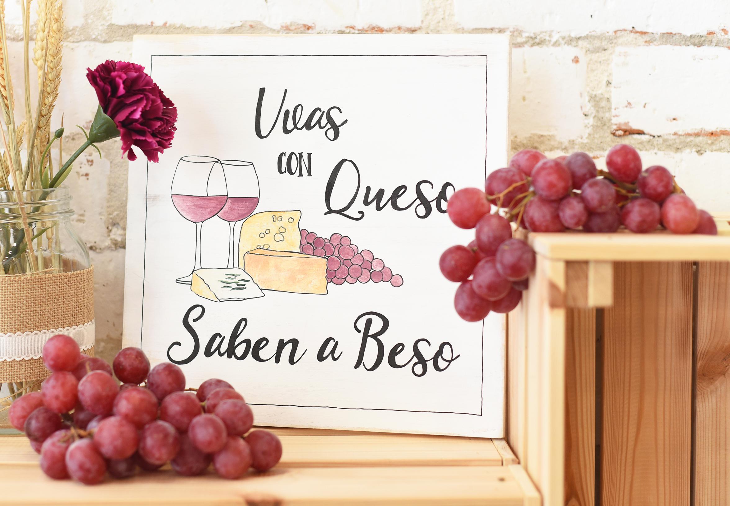 Uvas y queso pequeño.jpg