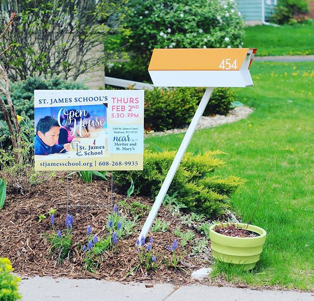 Promote your local business with a one of a kind yard sign that speaks to your community!! • • • #graphicdesign #websitedesign #localmadison #hollyavenuedesigns