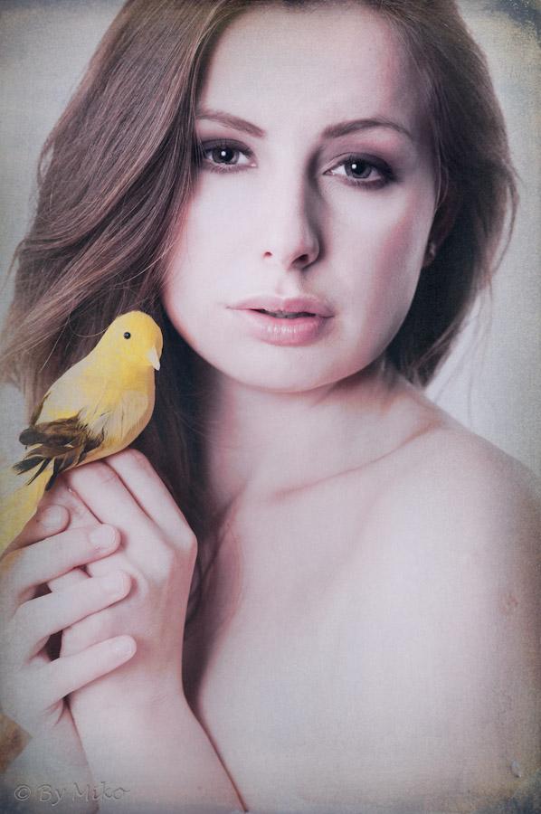 model: Heledore Stellasies  MUA: Karina Czapla