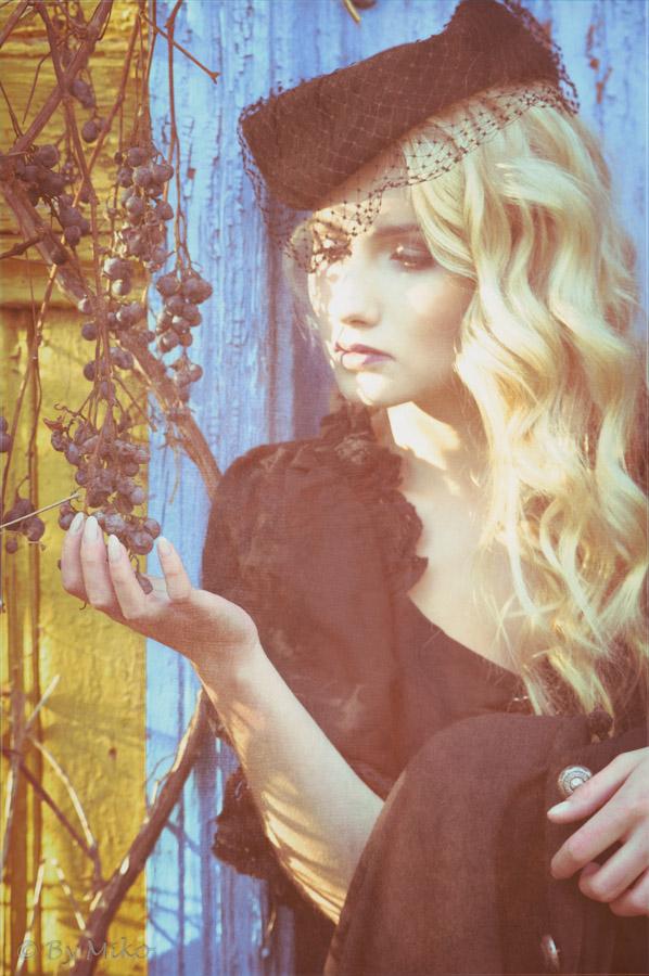 Model: Kornelia Basicz,  MUA Ewelina Frącek