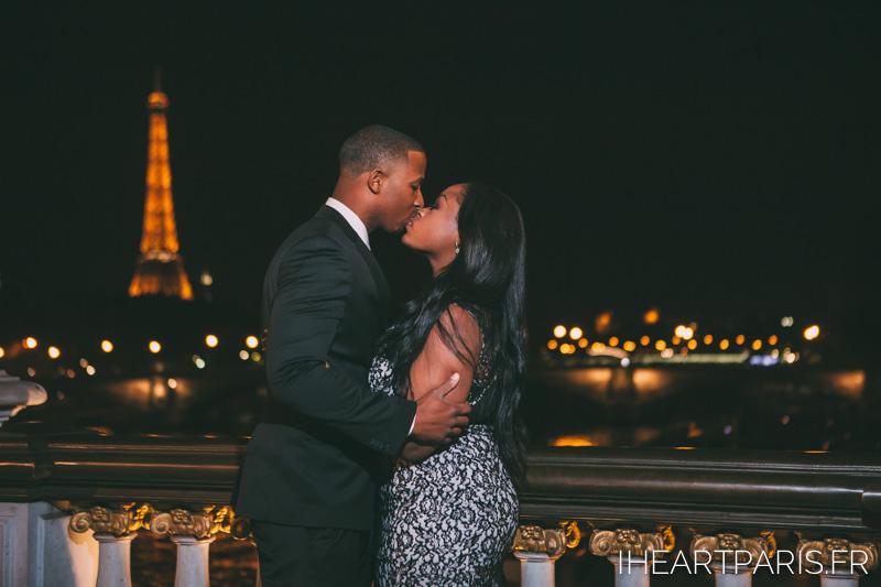 Couple Eiffel Alexander 3 Night I heart Paris