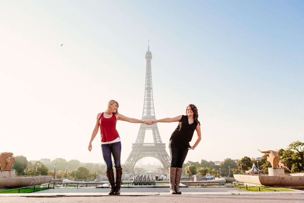 Photographer-Paris-Friends-Eiffel-Tower-IheartParis.jpg