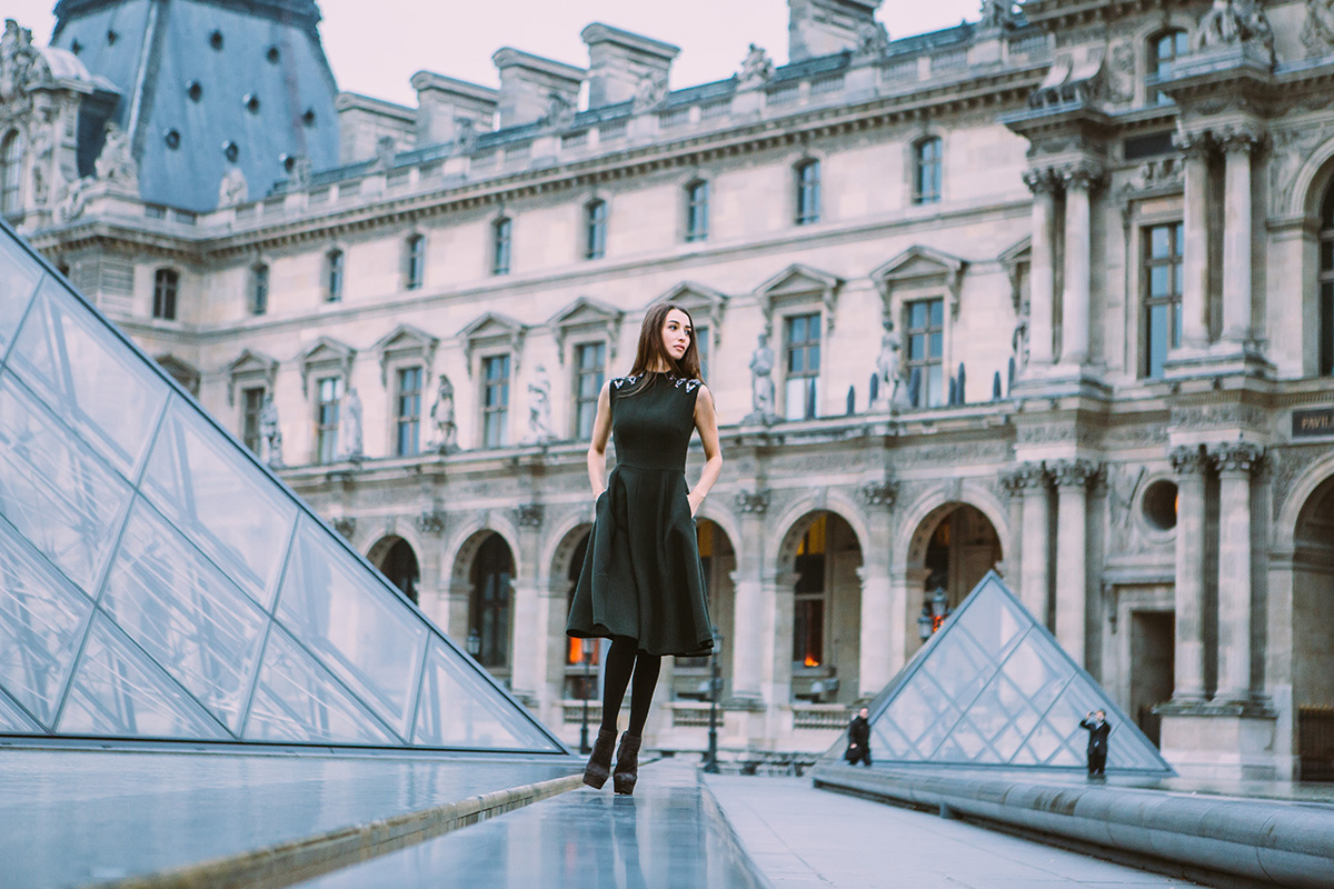 Paris-Photographer-Fashion-Designer-Louvre-Portrait.jpg