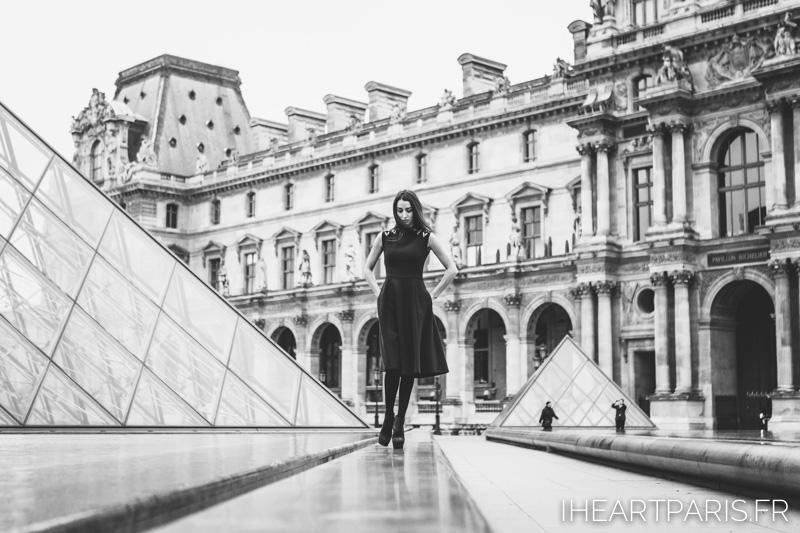 Paris Portrait Photographer Fashion Designer Louvre Pyramid