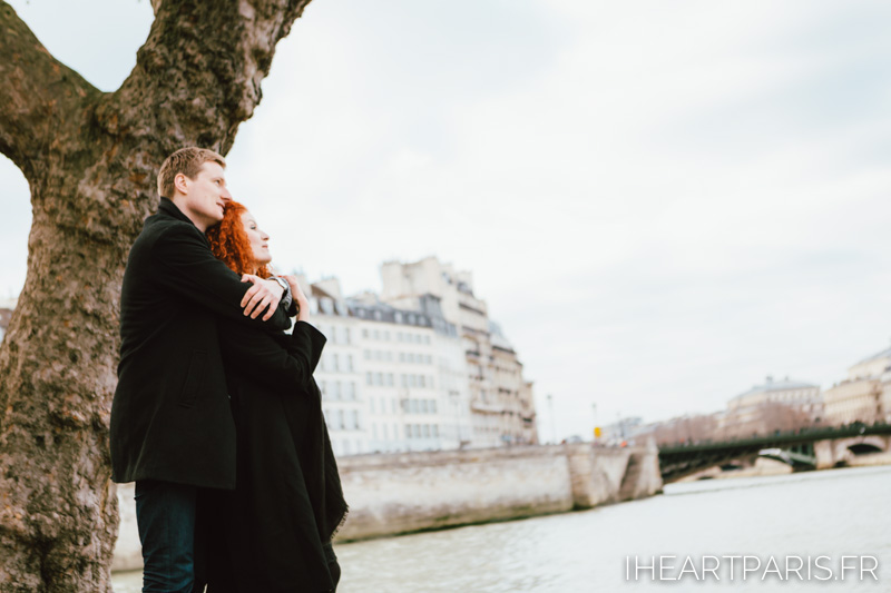 paris photographer couple seine iheartparisfr