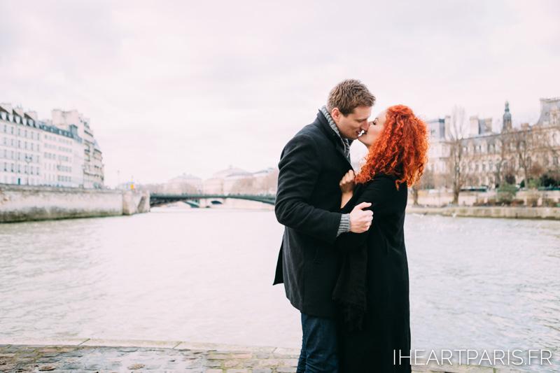 photographer paris couple ile st louis iheartparisfr