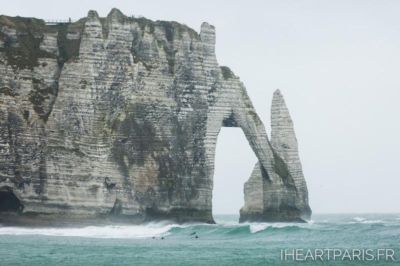 Paris Photographer postcards etretat cliffs surfers
