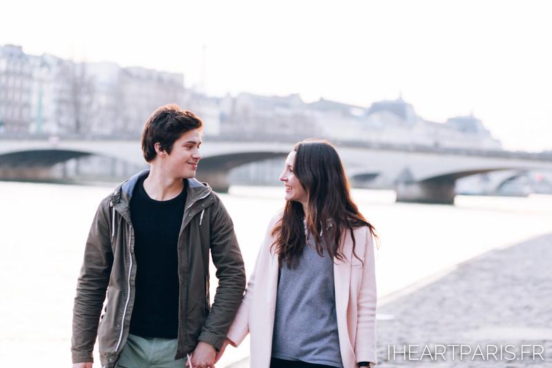 paris photographer couple seine iheartparisfr