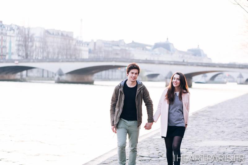 photographer in paris couple minisession seine iheartparisfr